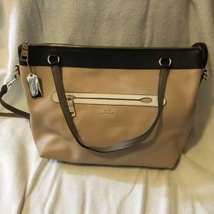 Coach Tyler Tote Colorblock Pebbled Leather